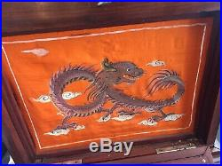 Meuble tourne disques de style chinois, période Indochine coloniale dragons, c